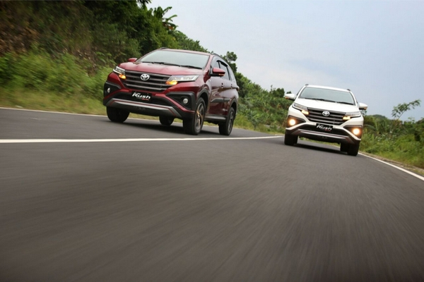 toyota rush 2018 models on the road