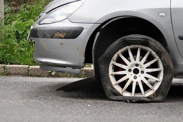 A car's flat tire