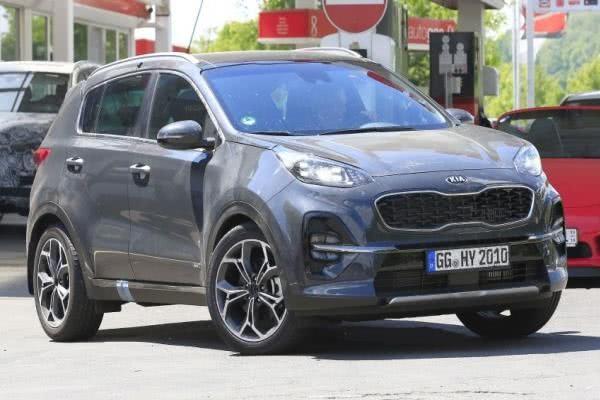 Spied Kia Sportage 2019 facelift angular front