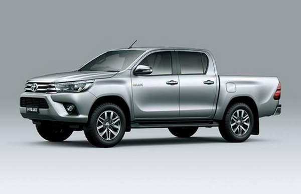 Toyota Hilux 2018 side view
