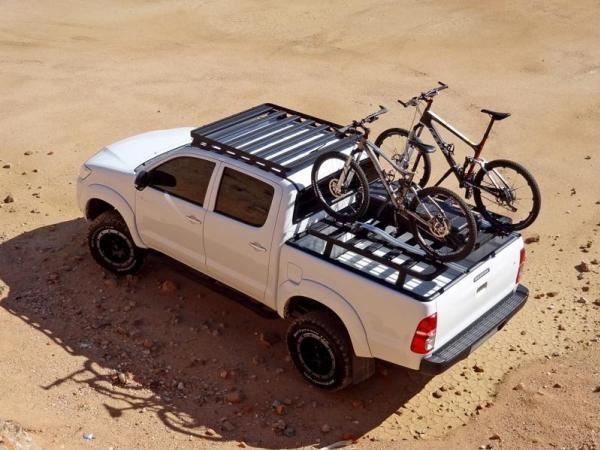 Toyota Hilux 2018 loading bikes
