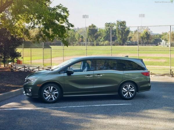 Honda Odyssey side view