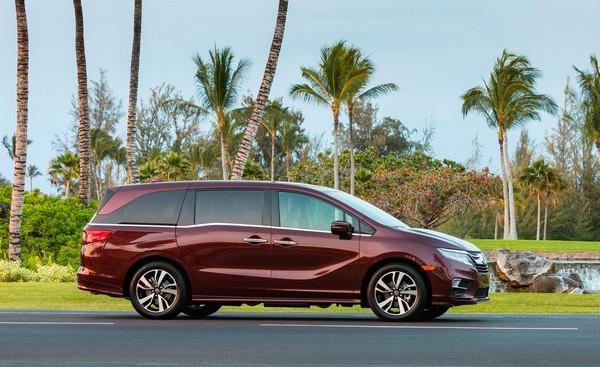 Honda Odyssey 2018 side view