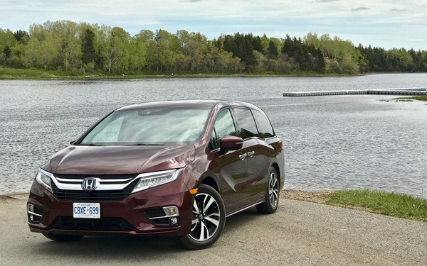 Honda Odyssey 2018 front view