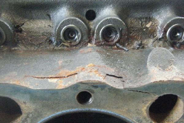 cracked engone block