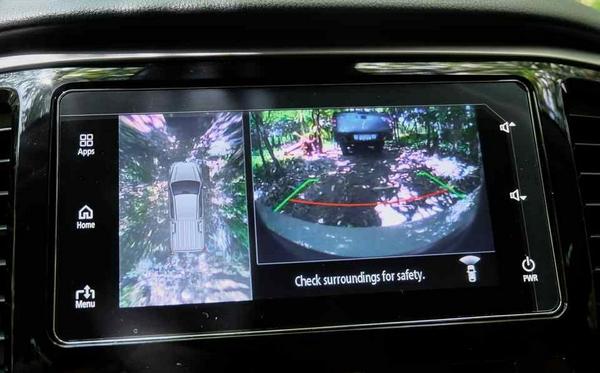 Mitsubishi Strada 2019's safety feature