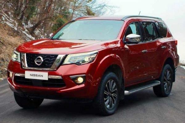 Nissan Terra angular front