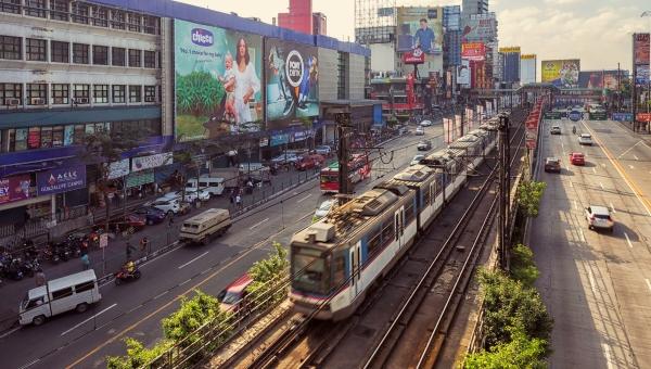 metro manila train station congestion