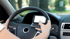 7 Common Road Distractions and How to Avoid It